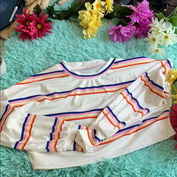 Tops - 7 for $20❗️Striped crop top